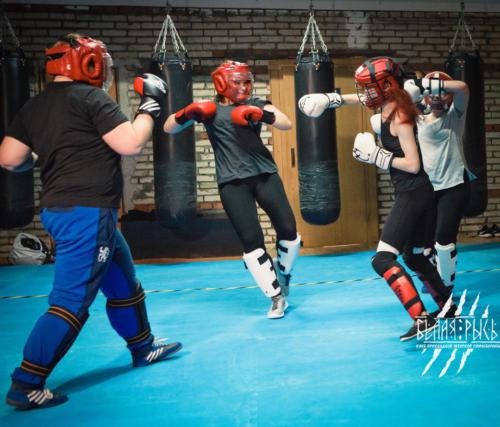 Самооборона для женщин бой против группы